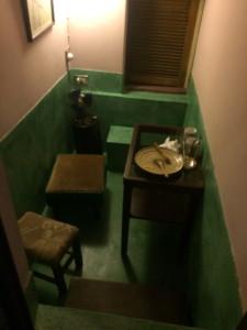 順風號—半地下の防空壕を利用した個室
