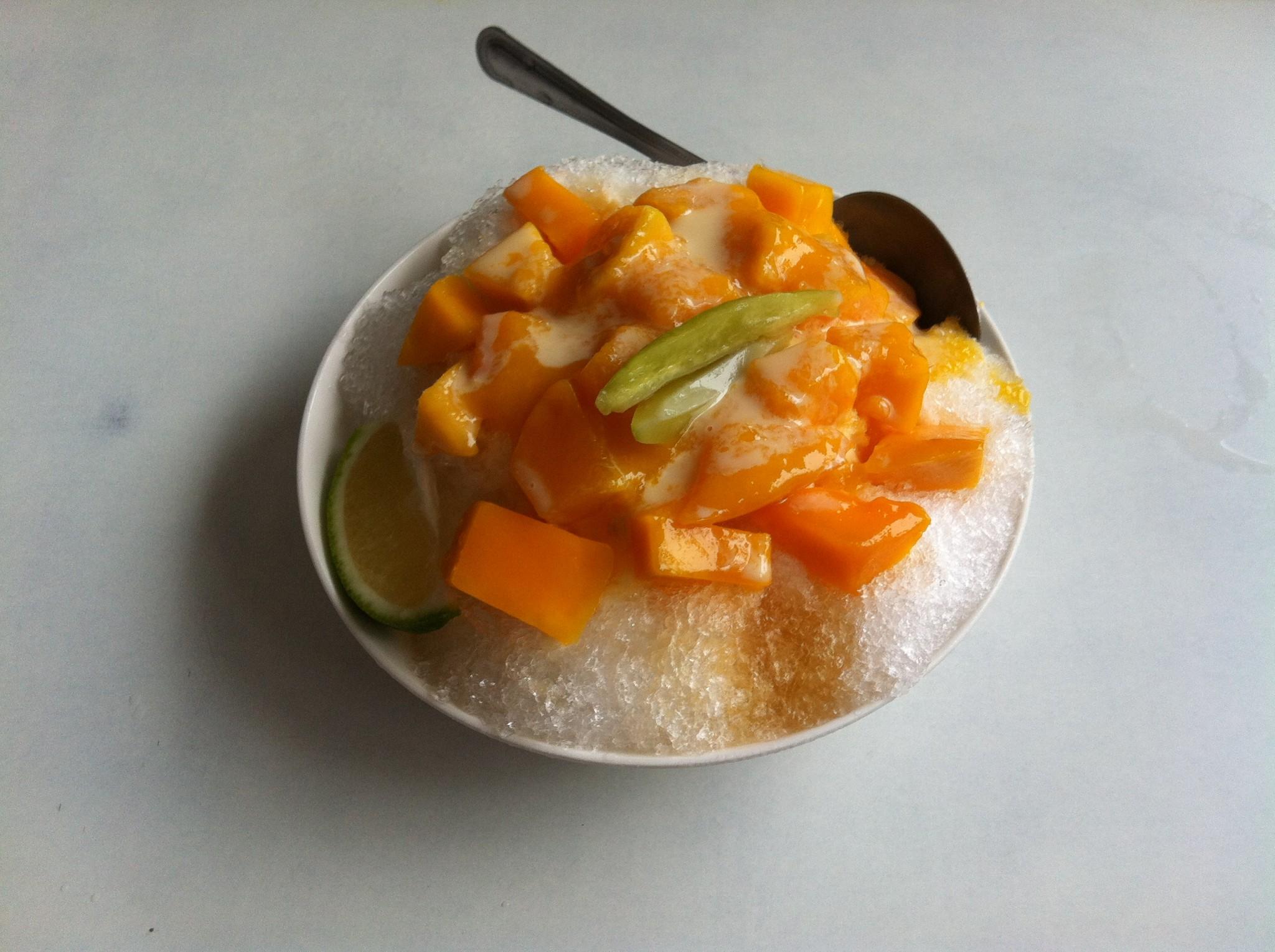 台南「莉莉」マンゴー牛乳カキ氷
